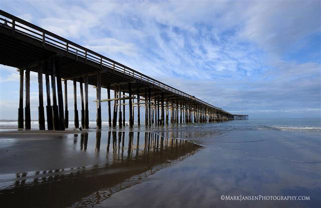 Ventura Pier photographed by Mark Jansen showing great light.